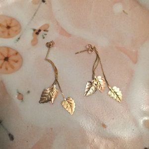 Other - Antique 14k gold leaf earrings